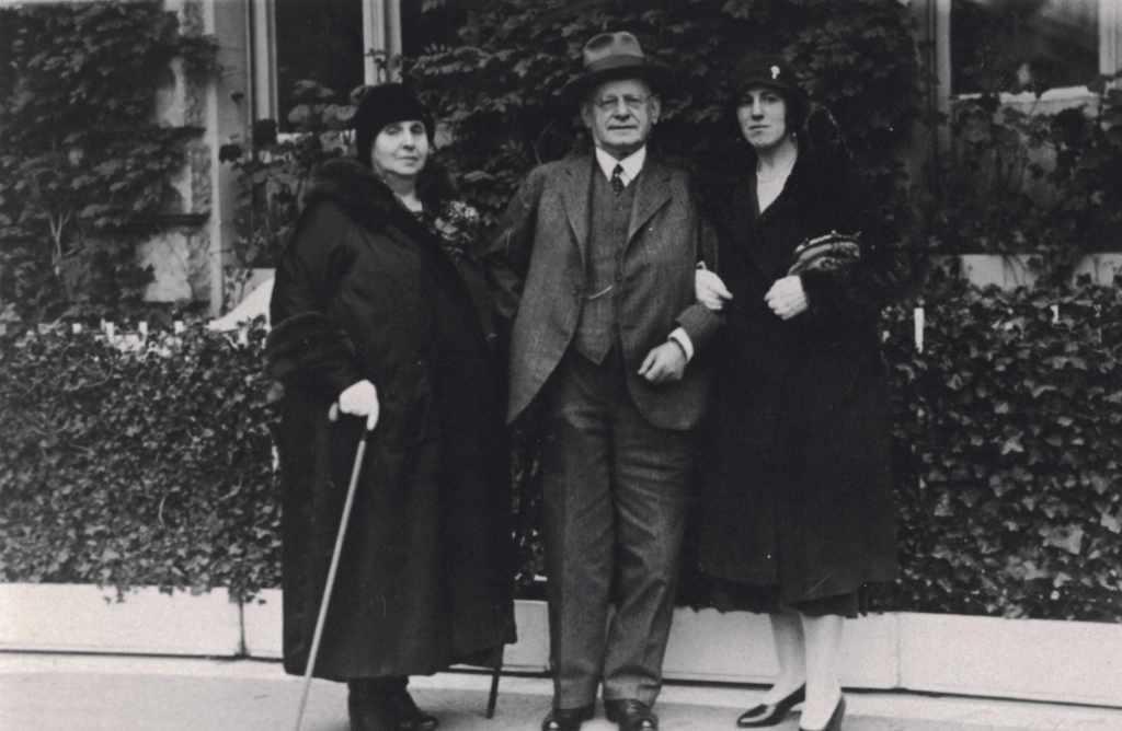 Friderike, Jeremias und Bianca Henschel 18. Oktober 1930 Horst Urich Sass (der Enkel)